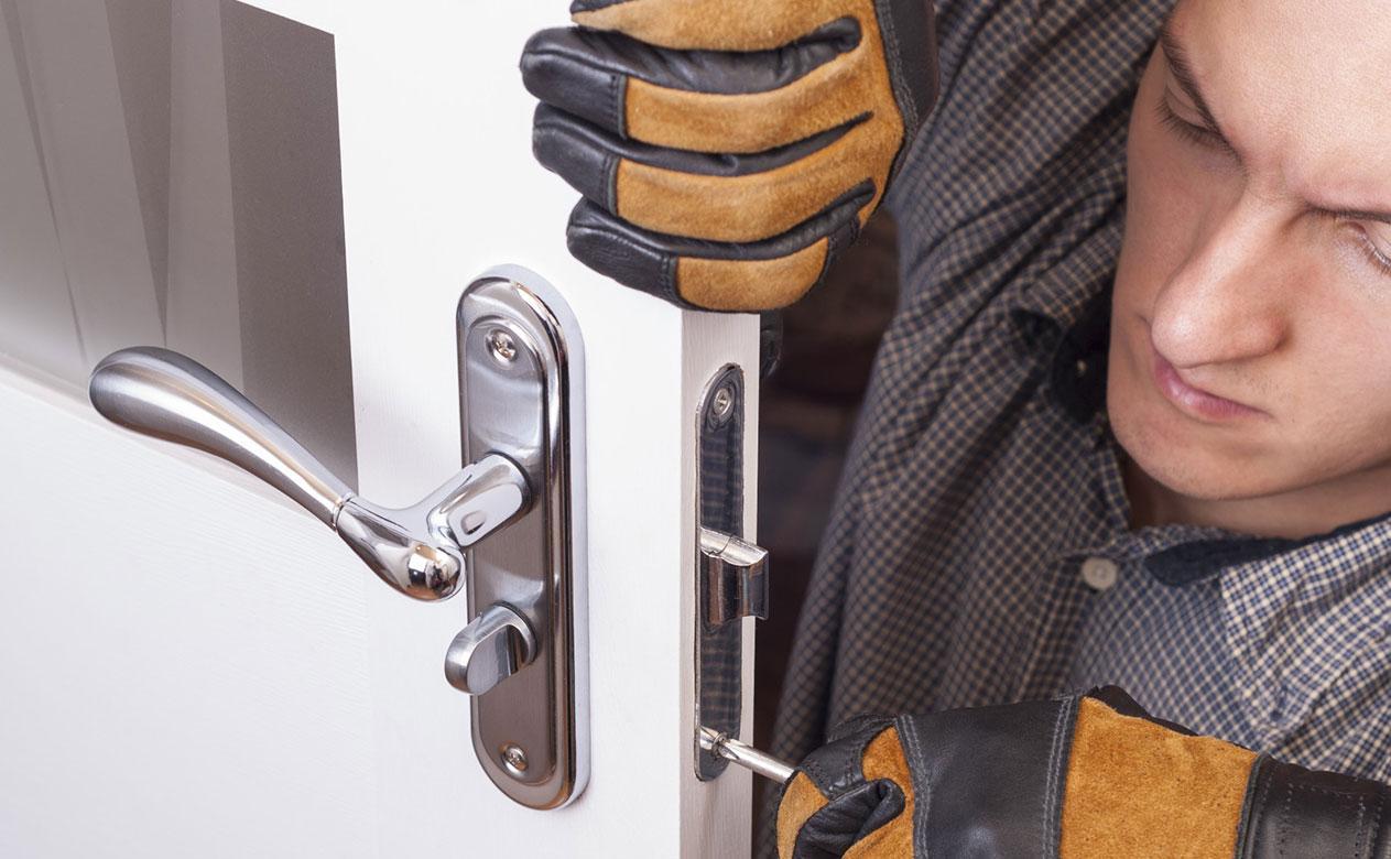 Fair Schlüsseldienst: Öffnet rund um die Uhr Türen