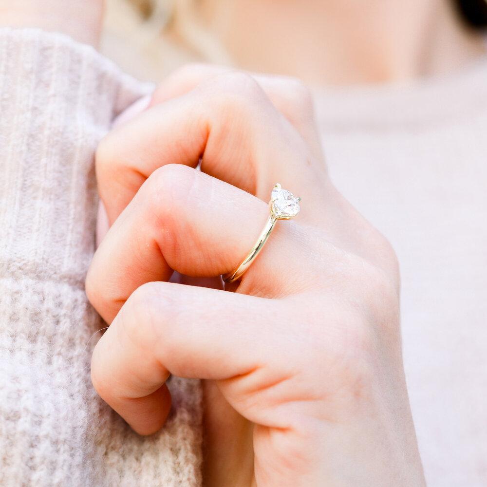 Die stilvolle schlichte Verlobungsringe im Jahr 2021