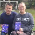 Anstarren oder Wegsehen? - das Buch. Erfahrungen im Alltag und Tipps von und mit Menschen mit Handicap.
