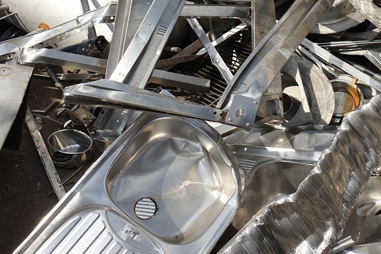 Schrotthändler Neuss & Altmetall loswerden mit schnellste und Beste Service wir holen Ihren Schrott überall ab