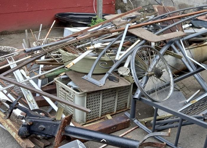 Der Schrotthändler in Hattingen Zahlt einen fairen Preis für Schrott und Metall